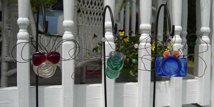DYI.. BOTTLE BUGS.. All you need is old bottles and some marbles.. heavy gauge floral wire..