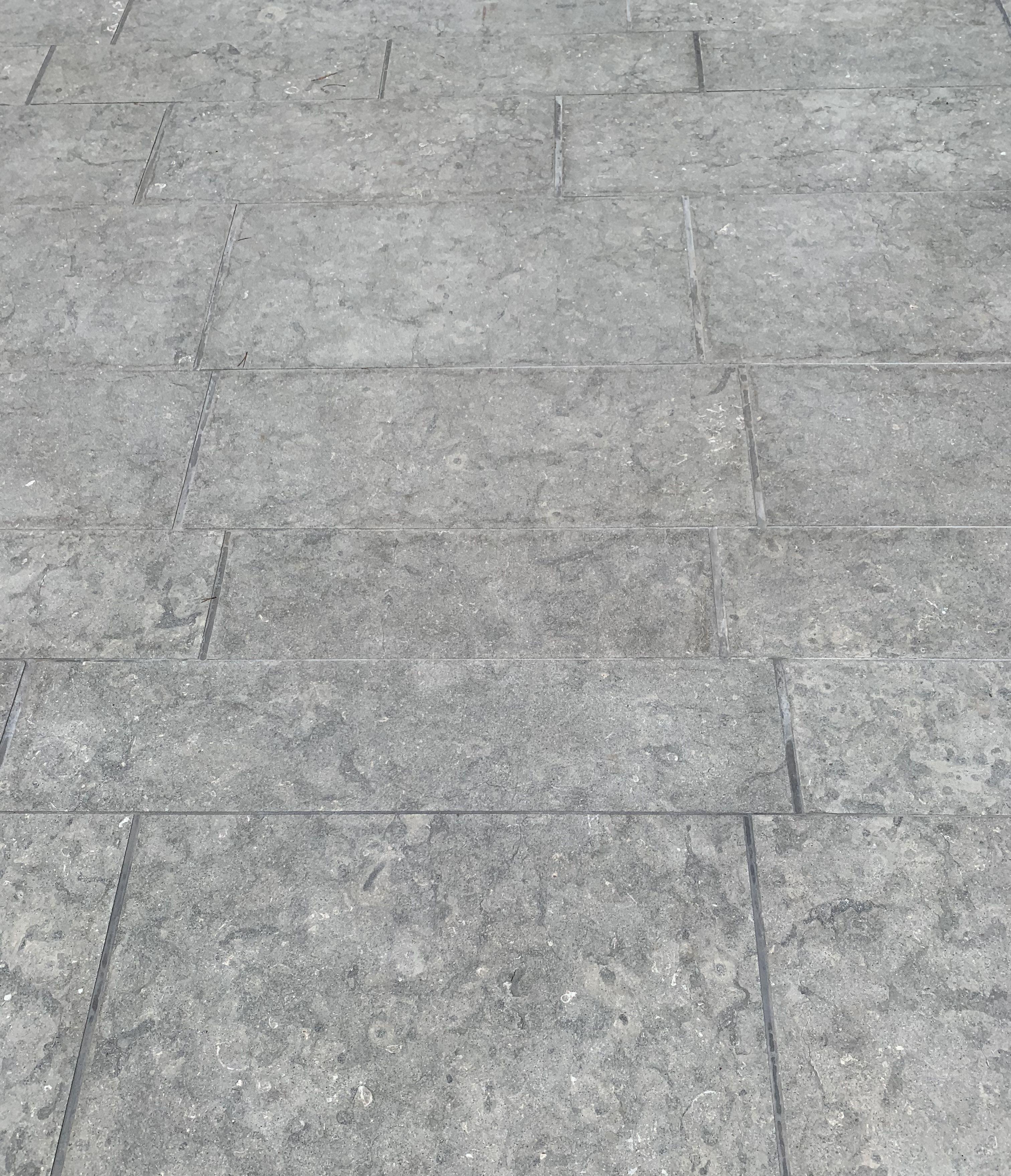 Dallage En Pierre Grise Antiderapante Terrasse Plage De Piscine