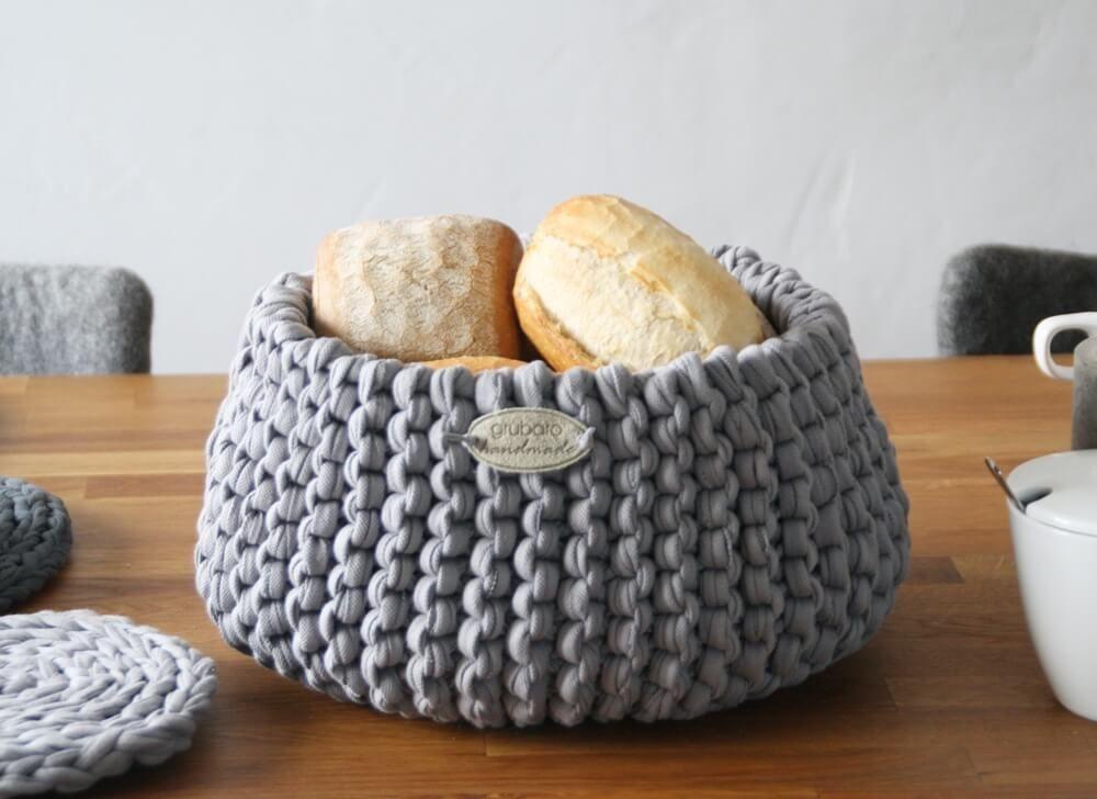Photo of Anleitung und Beispiel zum Stricken & Häkeln mit Textilgarn, Bandgarn …