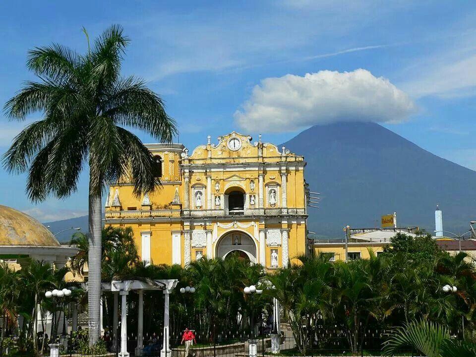 Catedral y Parque la Unión, Escuintla Guatemala ...