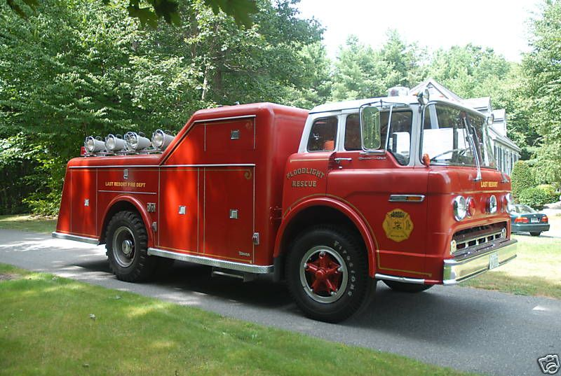 us Hewlett,NY FD Ford C + Young Rescue & Floodlight unit   1970