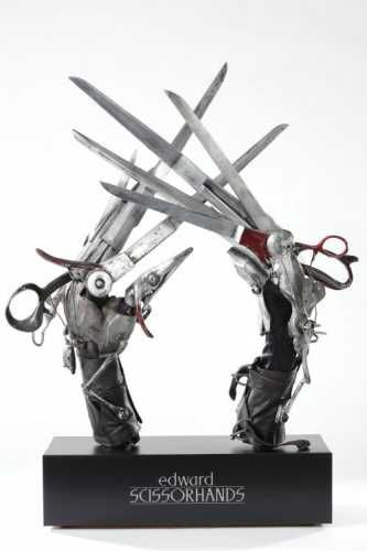 Edward Scissorhands Props With Images Tim Burton Art Tim Burton Edward Scissorhands