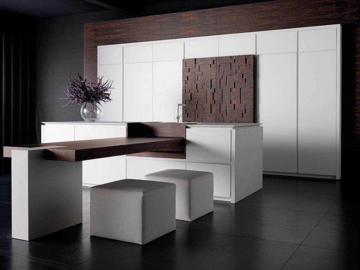 Lacquered Kitchen With Island Wind Eta Blanc By Toncelli Cucine Elegant Kitchen Design Contemporary Kitchen Hall Interior