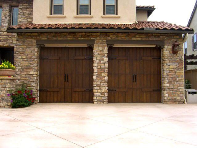 Painting garage doors garage doors with faux wood paint for Faux painting garage doors