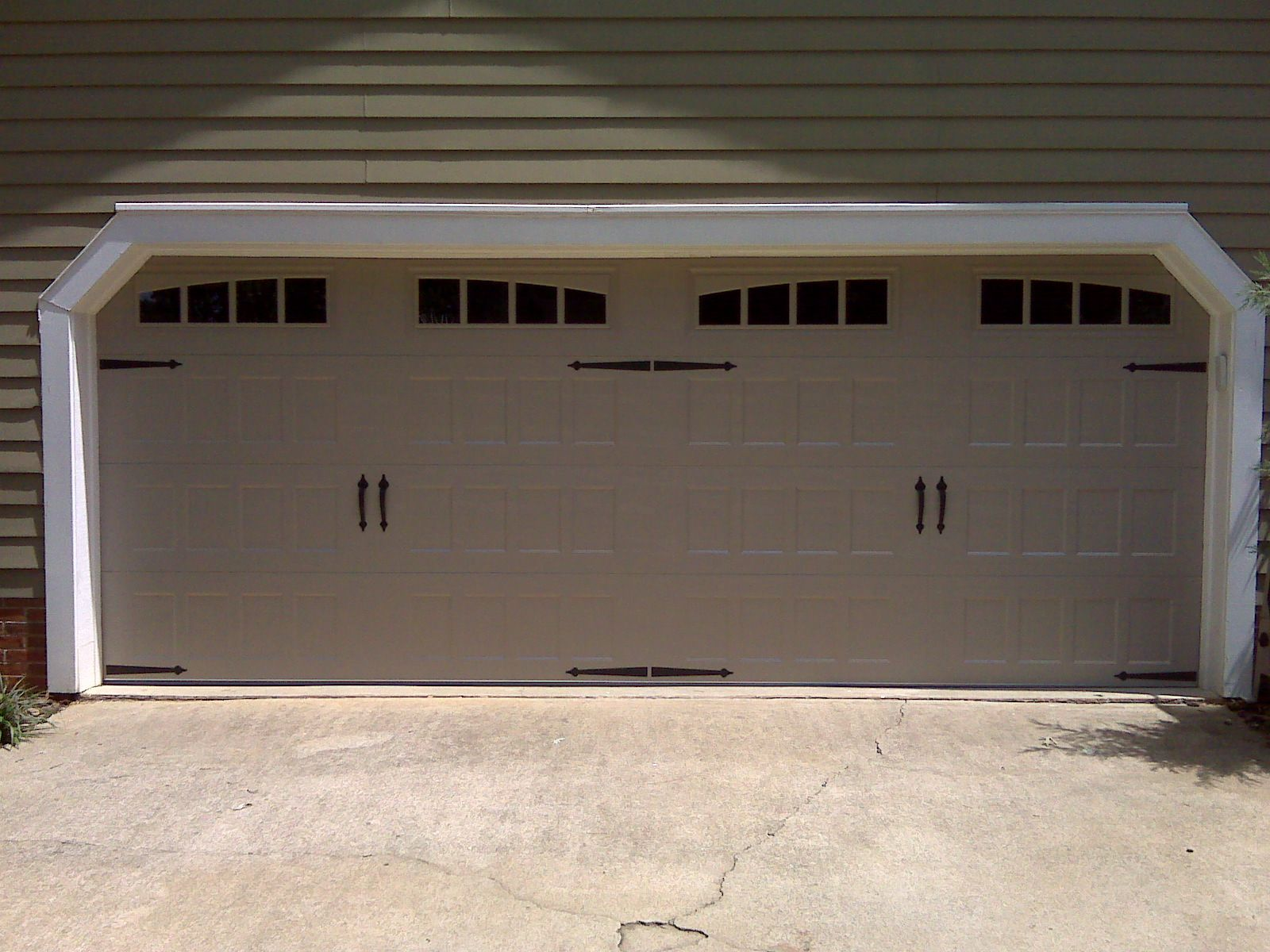 New Oak Summit Insulated Carriage House Garage Door With