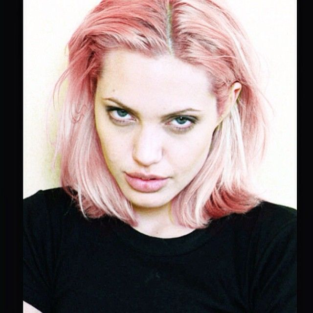 We Are The Hellaholics On Instagram Eternal Wcw Angelina Angelina Angelinajolie Pinkhair Pinkhairdontcare Pas Pink Hair Hair Beauty Short Hair Styles