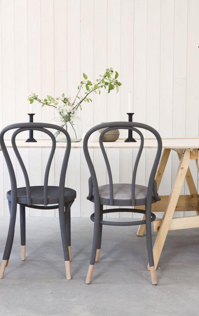 comment repeindre un meuble de bois pour un aspect chic et design chaises vintage repeintes - Comment Repeindre Une Chaise En Bois