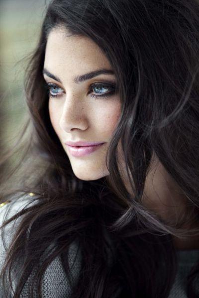 Dark Hair Flawless Makeup Long Hair Girl Dark Hair Blue Eyes Most Beautiful Eyes
