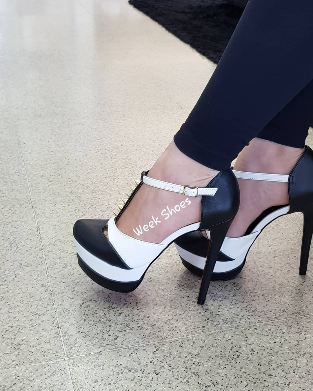Scarpin Salto Grosso Preto – Week Shoes: Conforto e estilo