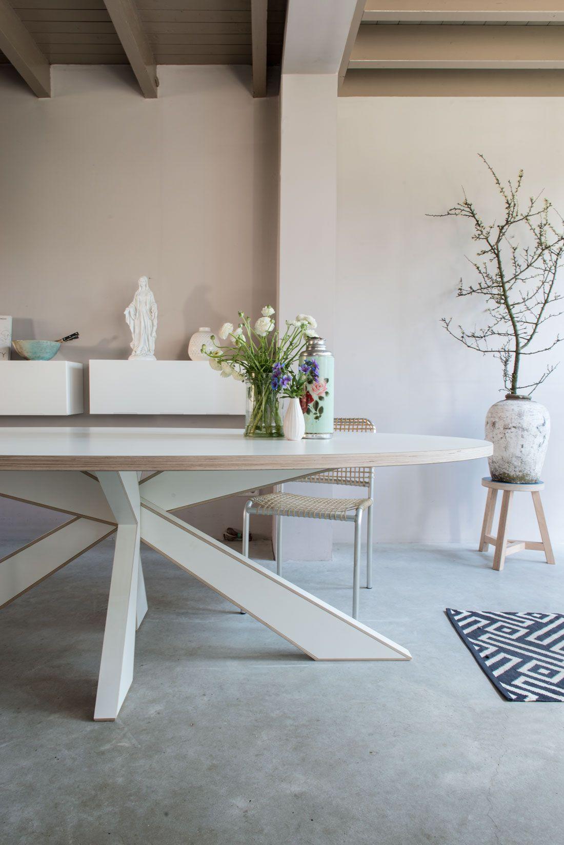Design Witte Eettafel.Longlegs Cc In 2019 Eettafel Ovalen Tafel En Witte Eettafel