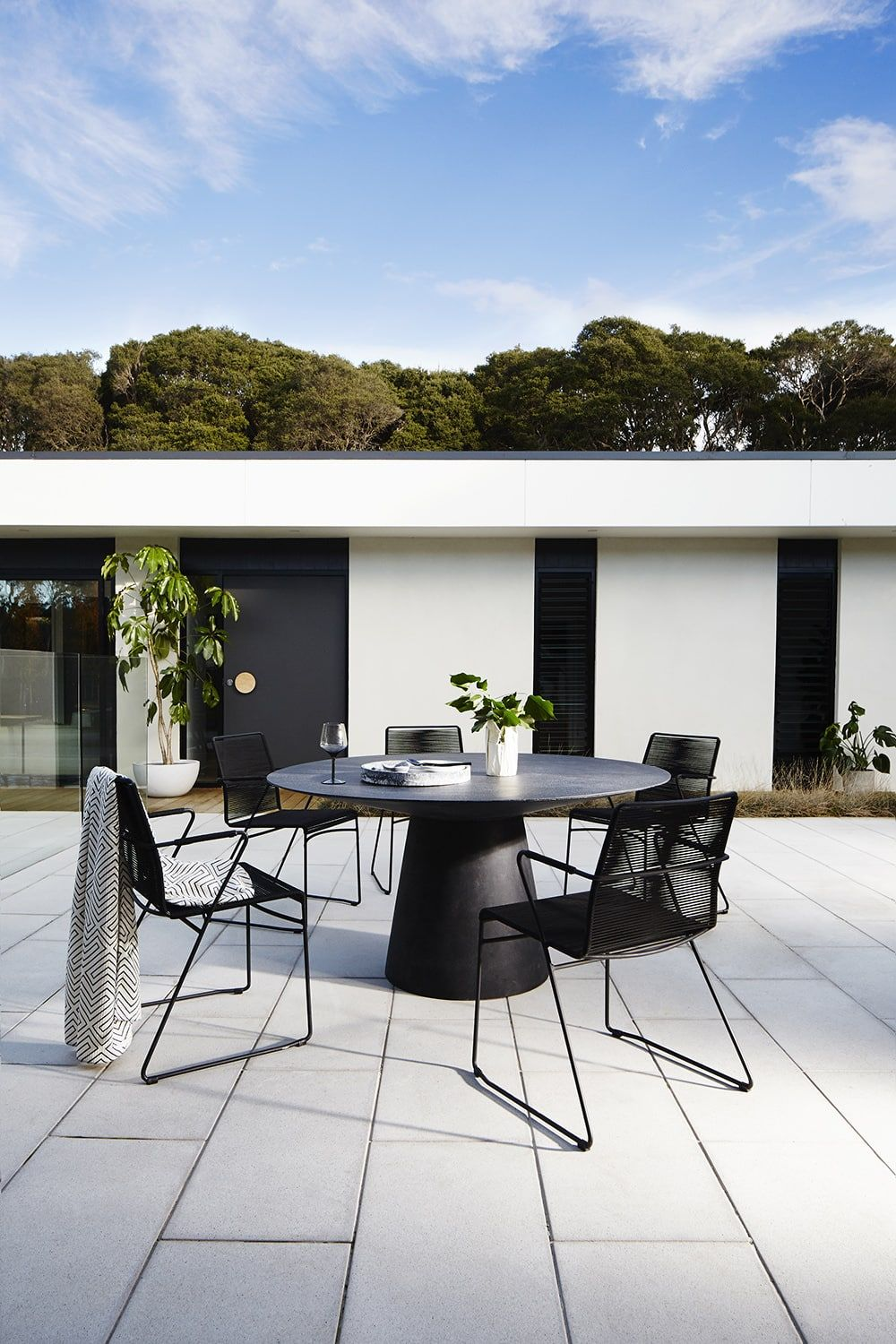 4 Steps To Minimalism Without The Empty Feeling Round Outdoor