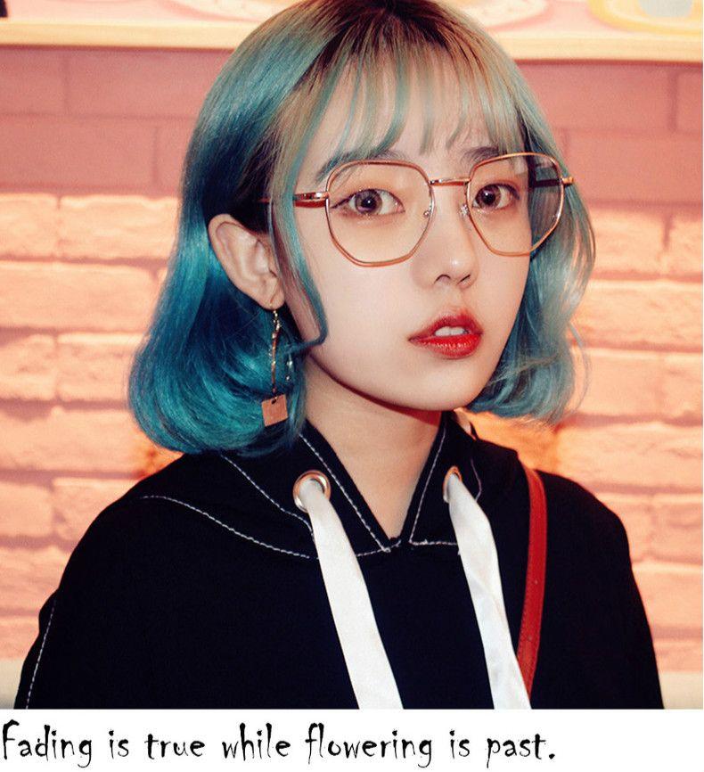 a1d62cb0718d75 女性らしいメガネ界の新潮流。おしゃれめがねとして注目されている「細フレーム眼鏡」。レトロな雰囲気の中に上品さと女の子らしさを感じる!