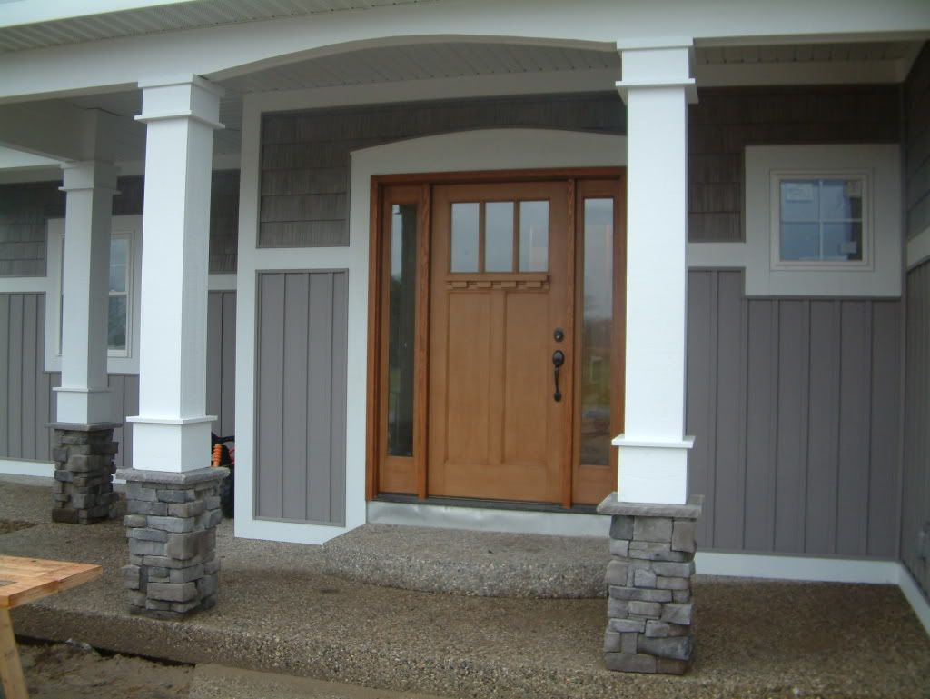 Column Molding Ideas Like The Door And The Columns Not Color And Base Of Columns