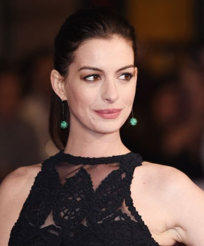Anne Hathaway Shares Pregnant Bikini Pic To Beat Paparazzi: Anne Hathaway Totally Nailed #TBT On Instagram This Week