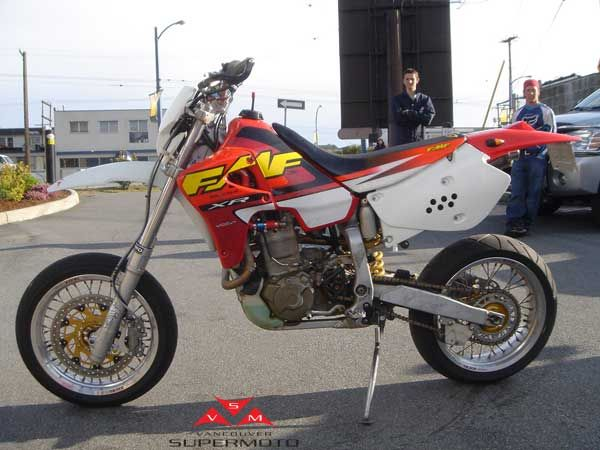Honda Xr 650 R Fmf Cerca Con Google Motos Motocicletas Vehiculos