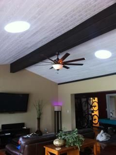 No Attic Wood Beam Ceiling Vaulted Ceiling Yes You Can Install A Solatube Daylighting System Looks Great Wood Beam Ceiling Tubular Skylights Ceiling Beams