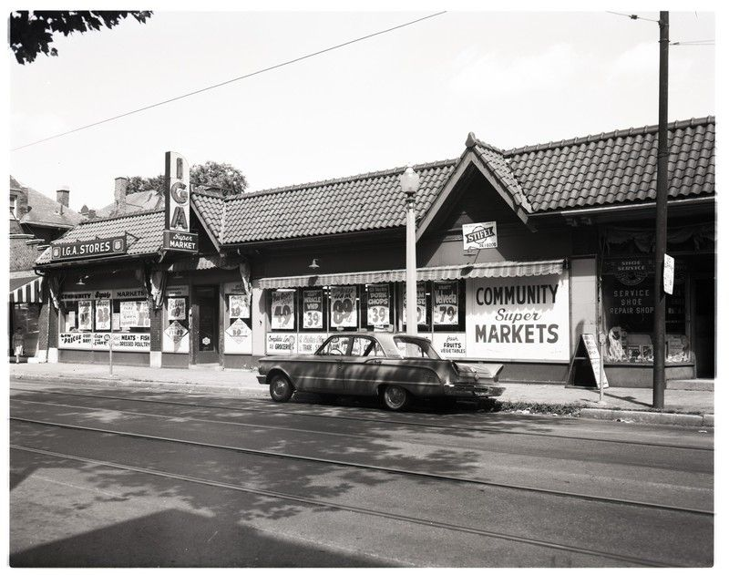 Exterior view of IGA Supermarket on Delmar Boulevard. | collections.mohistory.org