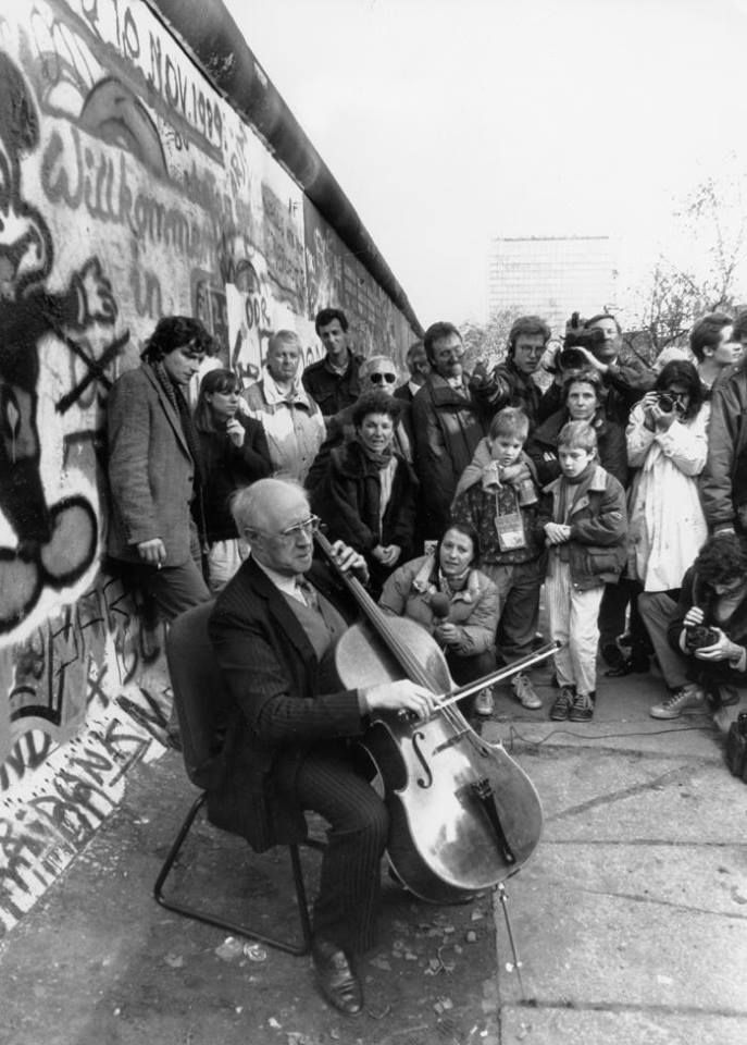 Mstislav Rostropovich, Fall of the Berlin Wall (November 9 1989)