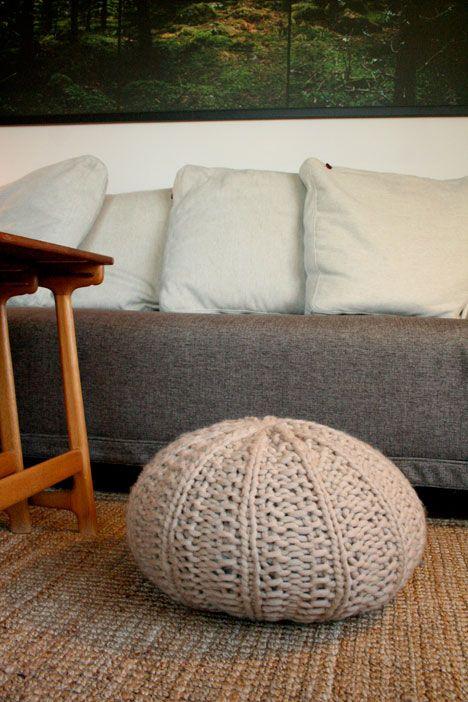 urchin pouf - pattern here | Knitting Inspiration | Pinterest ...