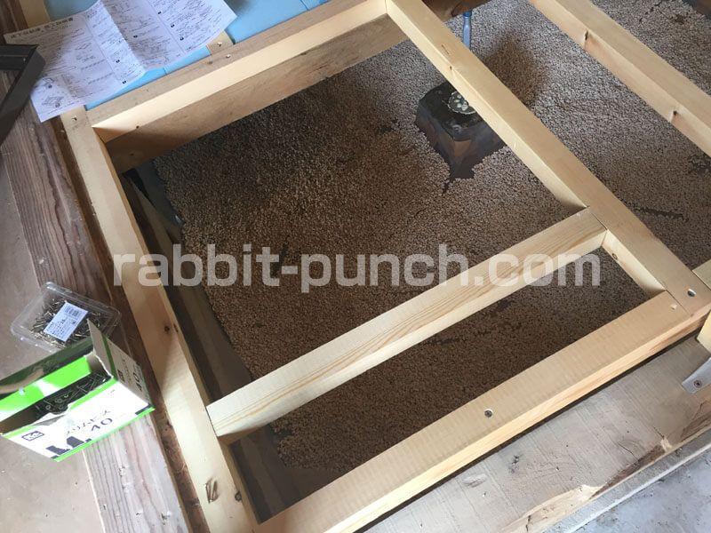 キッチンの床下収納 点検口をdiyまとめ 床下地から作る 床下収納 床下 根太