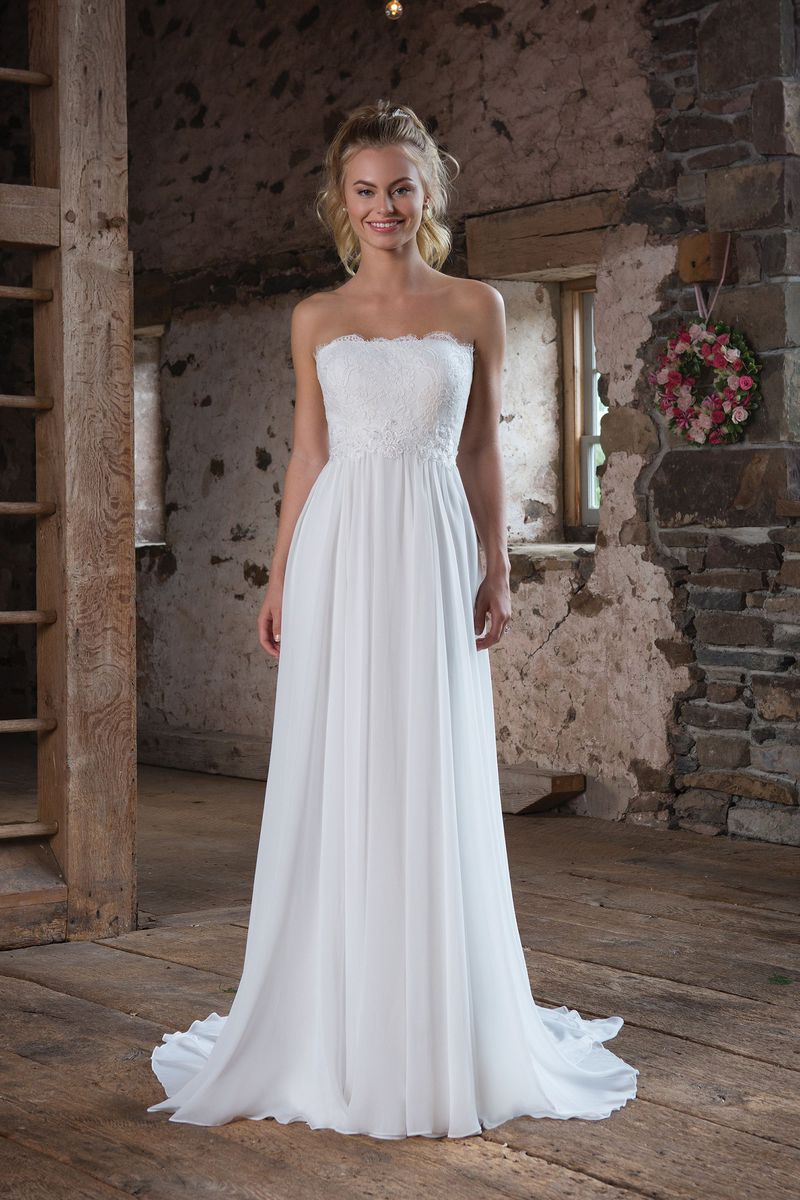 Lightweight wedding dresses  Sweetheart Gowns  Style  Lightweight Chiffon Gown with Eyelash