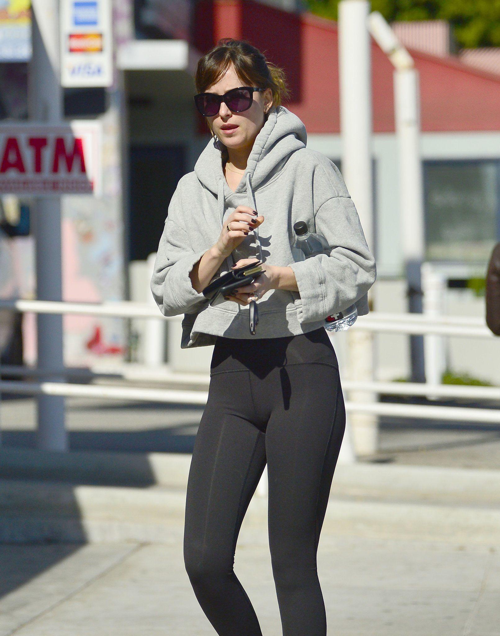 November 6 2018 Dakota Leaving Her Pilates Class In Los Angeles