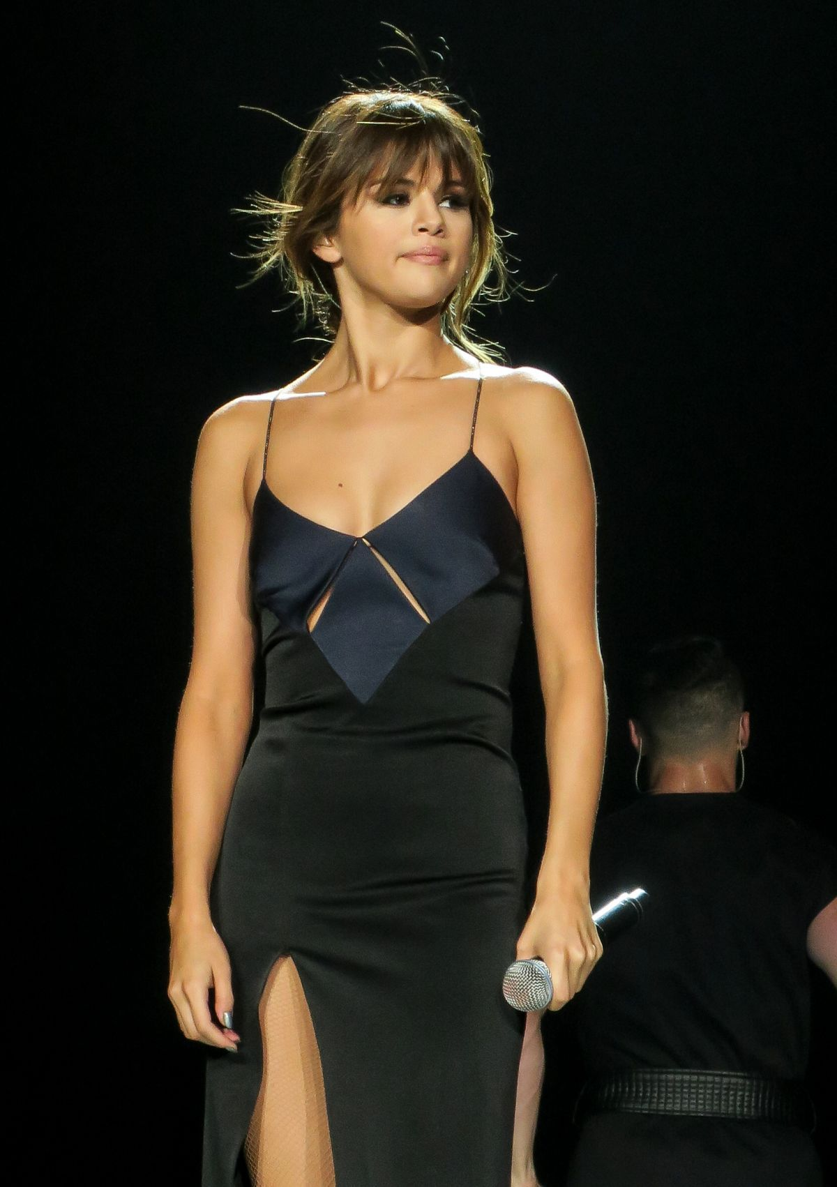 selena gomez performs at revival tour at staples - daily