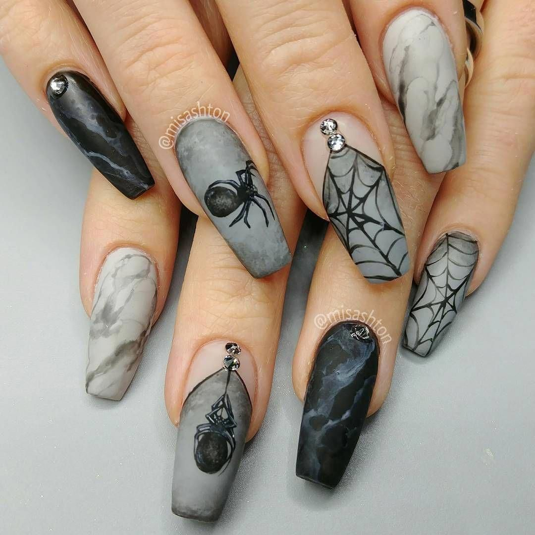 35 Creepy Halloween Nails For The Scary Holiday - Easy ...
