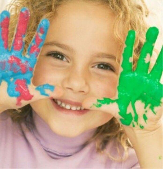 Las manualidades con niños, buenas para su estres e hiperactividad
