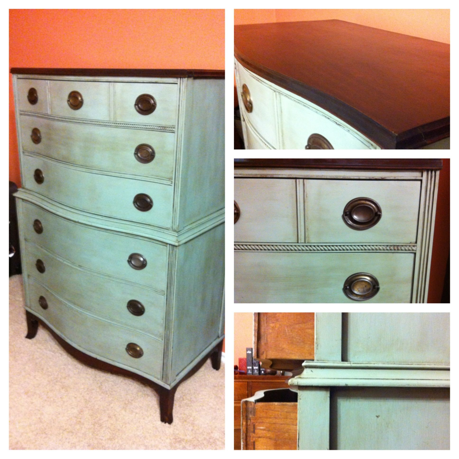 From Country Chic Furniture - Features include: - Duncan Phyfe Style -  Shabby Chic -