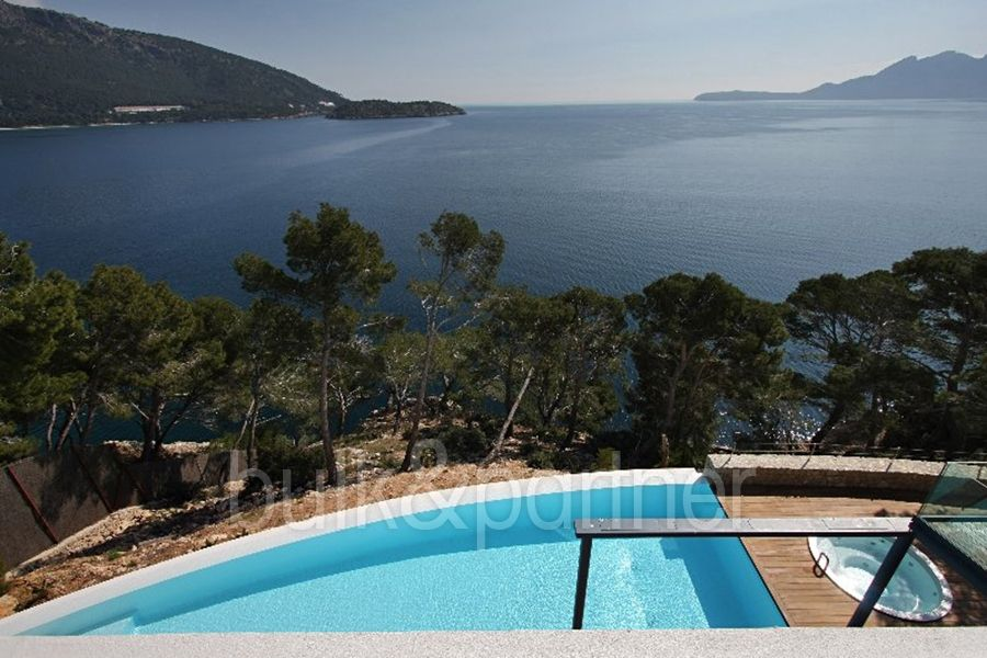 Modern luxury villa in first line for sale in Formentor - ID 5500551 - Real estate is our passion…