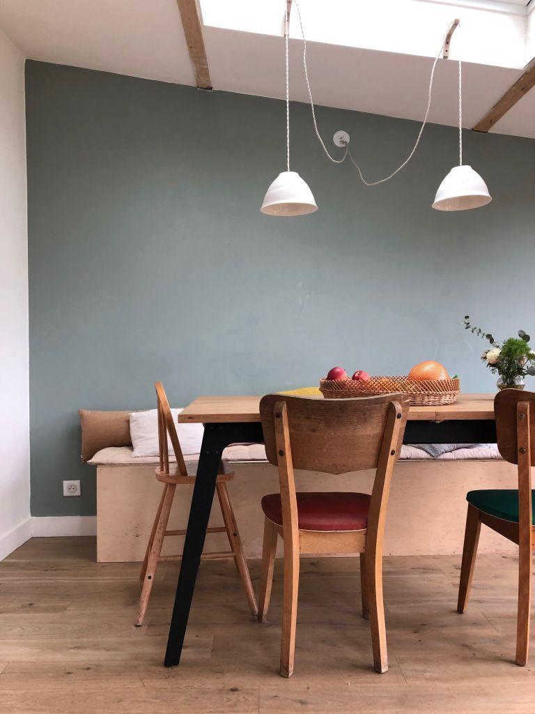 Chez Sarah Mobilier Chine Vert Amande Banquette Diy Suspension Epure Architecte Interieur Peinture Vert De Gris Decoration Maison