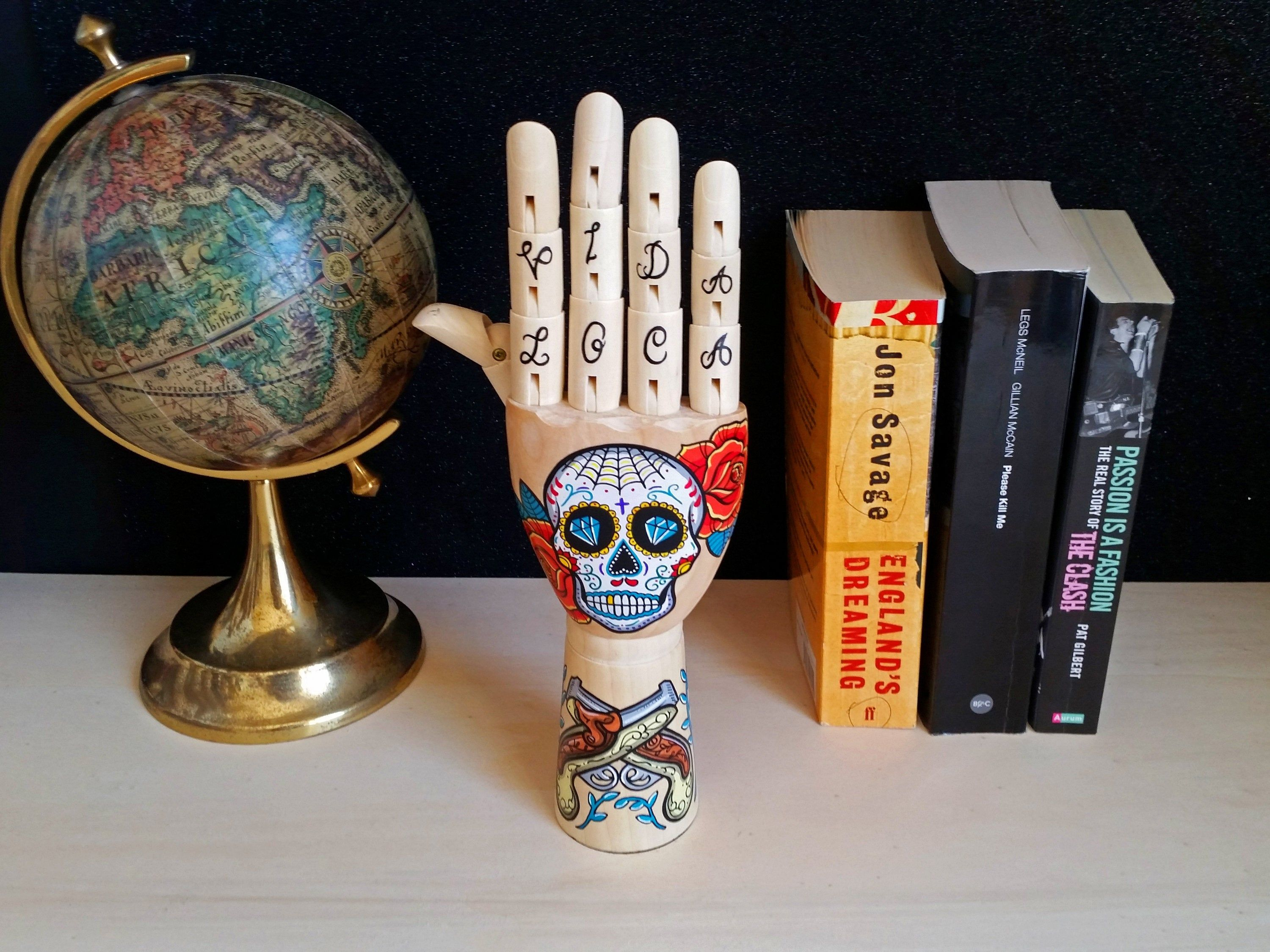 Casa Di Legno Costi hand painted samak wooden hand with mexican skull and guns