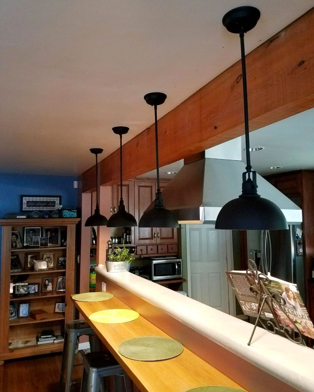 The simplistic design of the Belle pendant adds as a