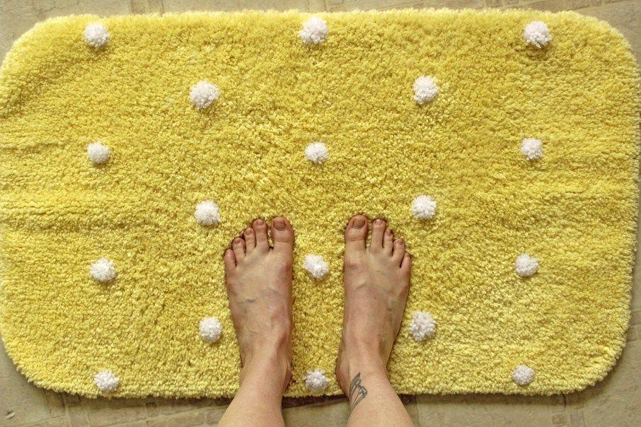Pom-pom Bath Rug Re-do