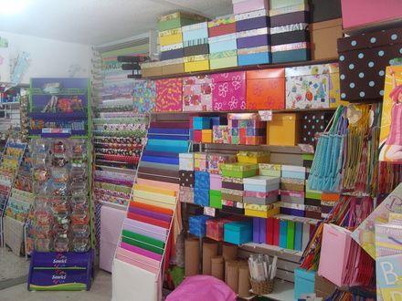 Fotos de venta del mobiliario para tienda de regalos ver fotos regalos stationery gifts y - Mobiliario para merceria ...