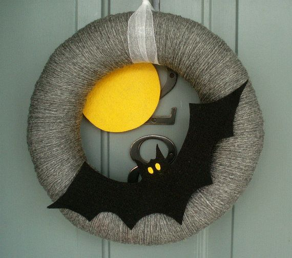 Yarn Wreath Felt Holiday Door Decoration - Halloween Moon and Bat 12in #halloweenwreaths