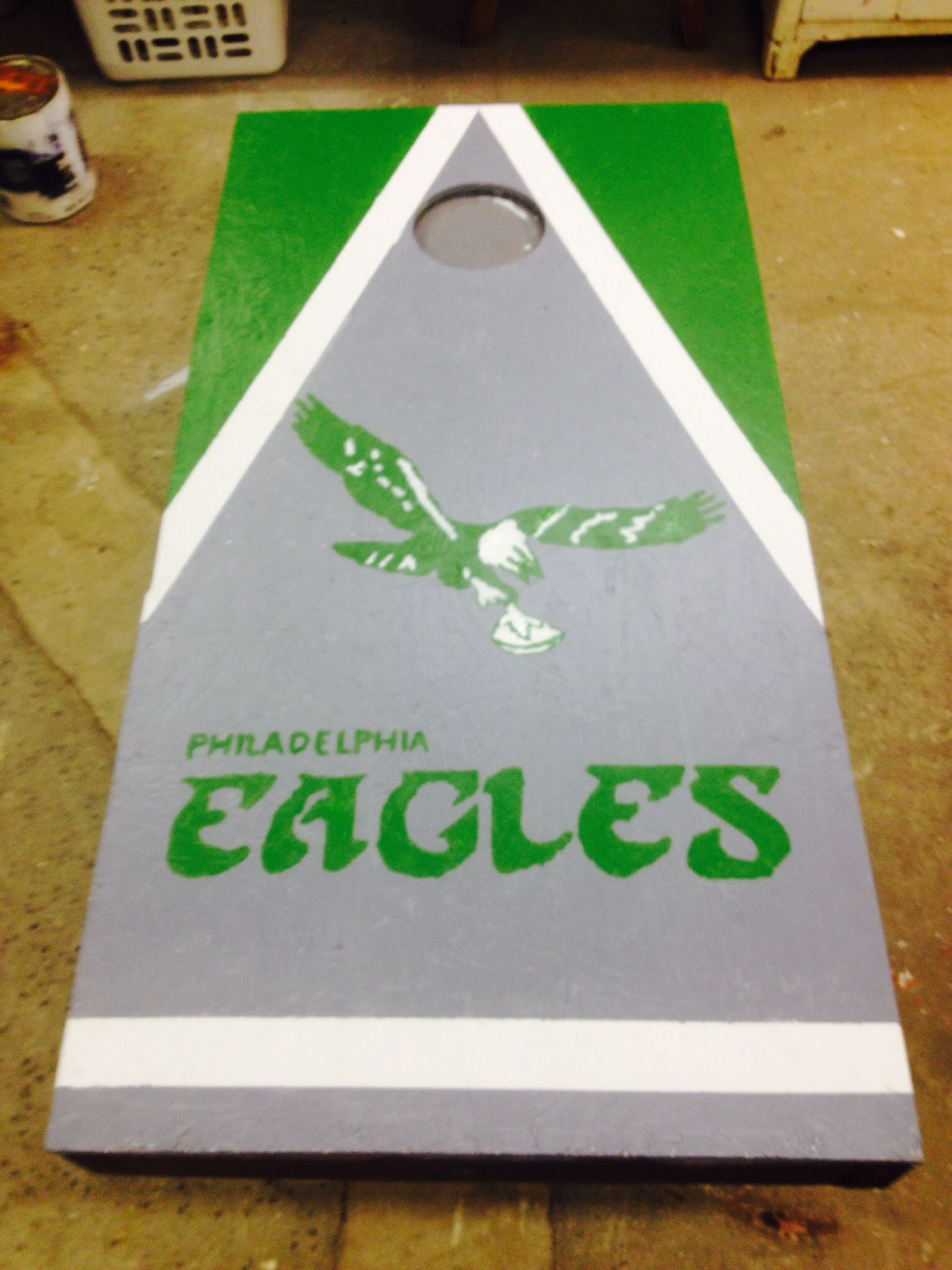 Retro Philadelphia Eagles cornhole board | Ideas | Pinterest ...