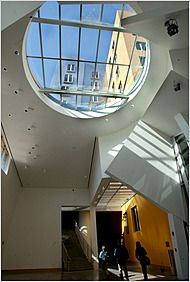 Will There Soon Be Room For More Students At M I T Modern Buildings Design Gehry