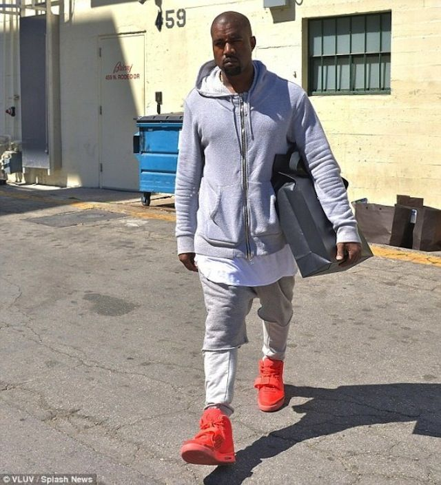867f346a49c ... KanyeWest wearing  Nike Air Yeezy 2 « Red October » New Hip Hop Beats  Uploaded ...