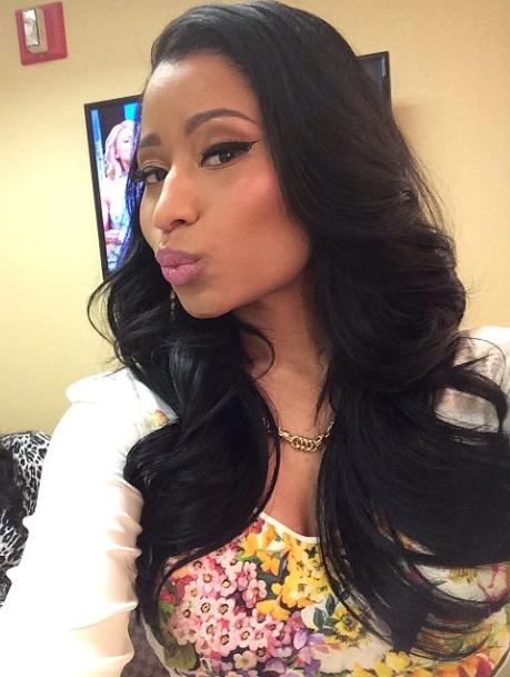 Nicki Minaj looked yesterday on the set of LIVE
