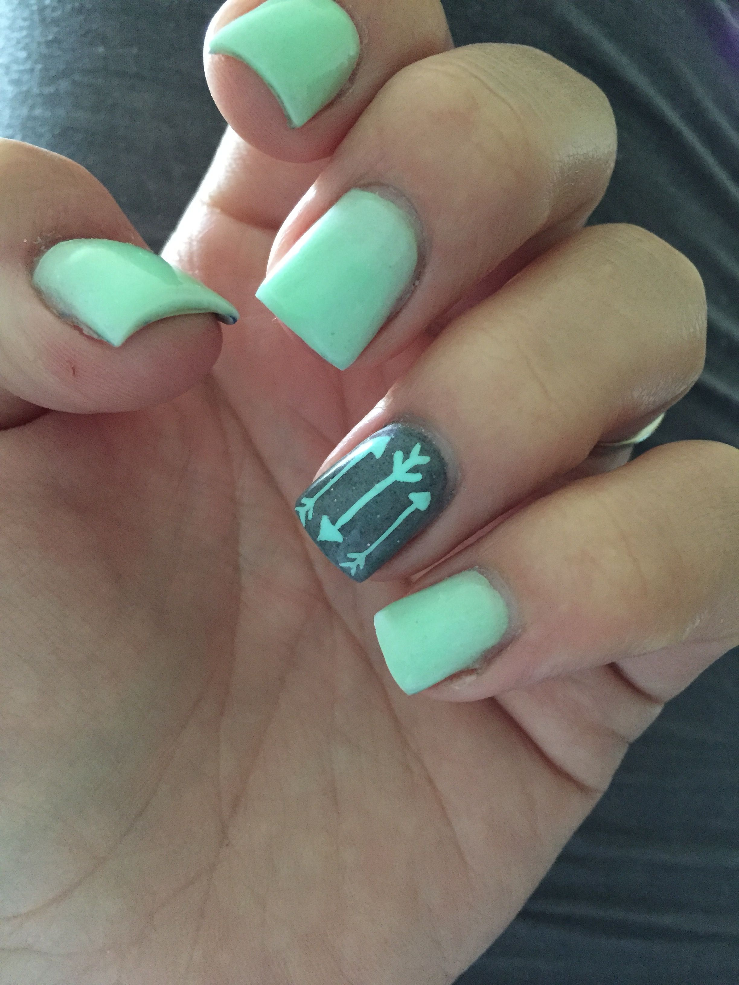 Mint and grey with a little arrow