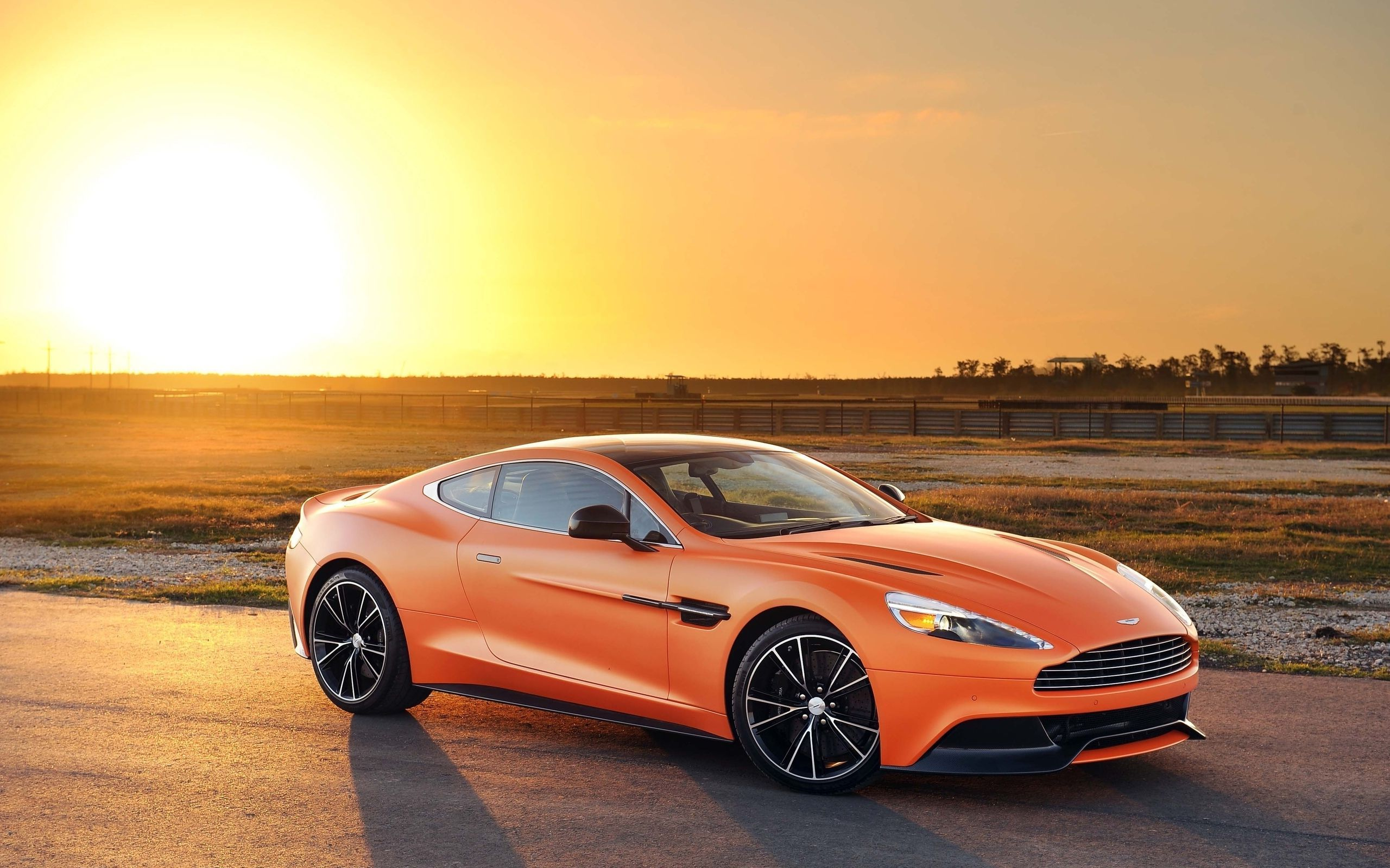 Aston Martin Vanquish Wallpaper Widescreen Ukh