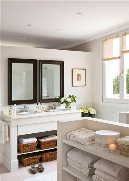 Baños pequeños muy bien solucionados Half walls, Bath and Master