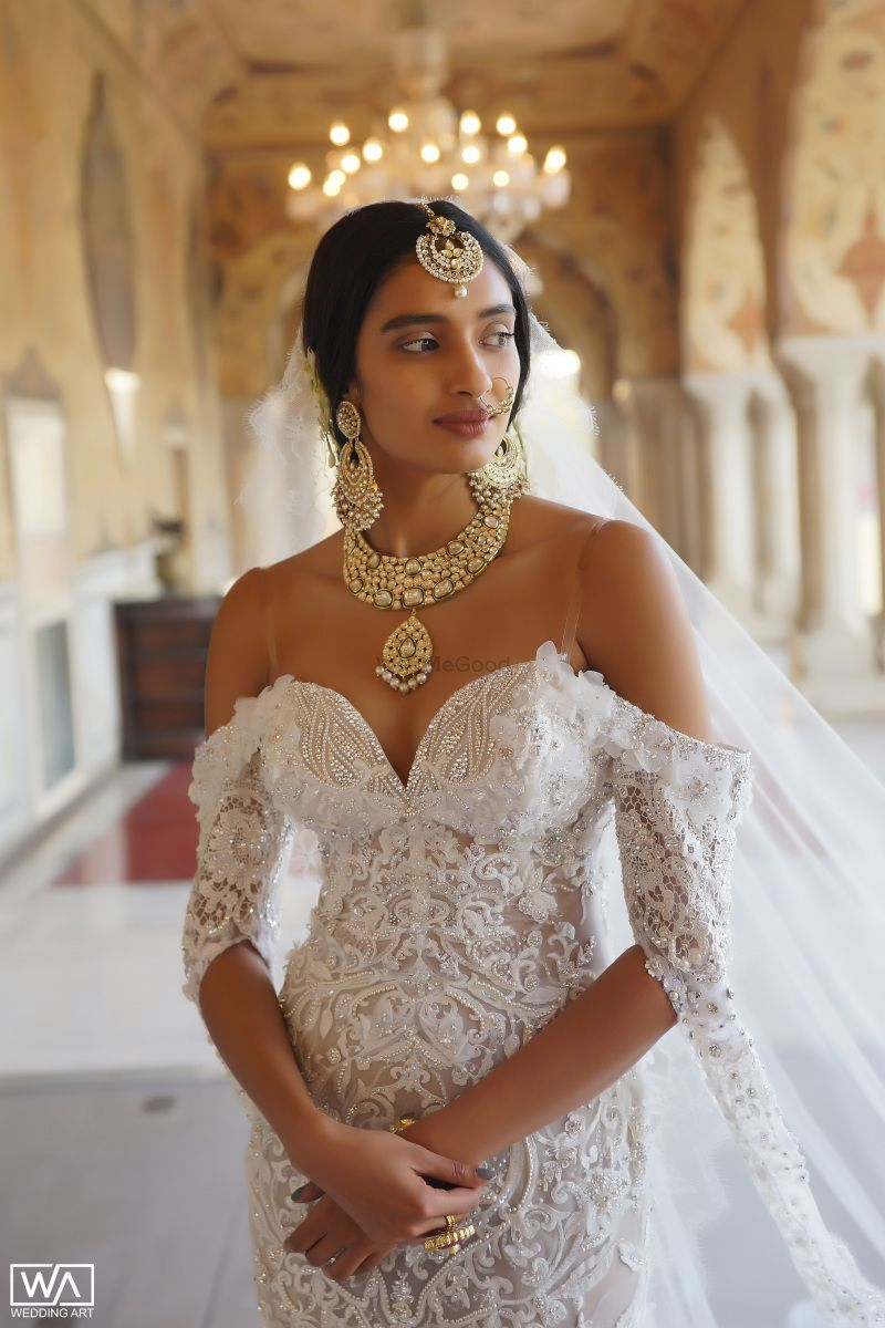 Such A Unique Way Of Pairing Indian Traditional Bridal Jewellery