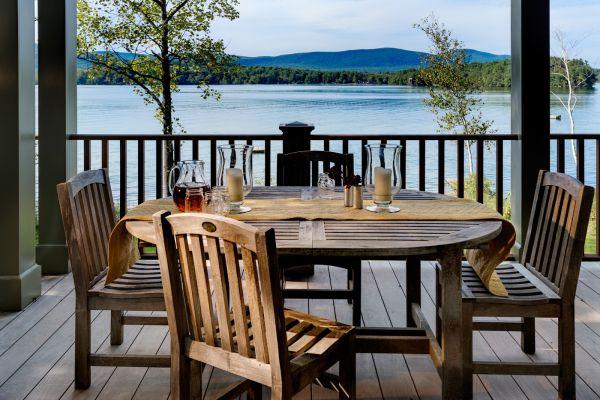 Lakeside Dining