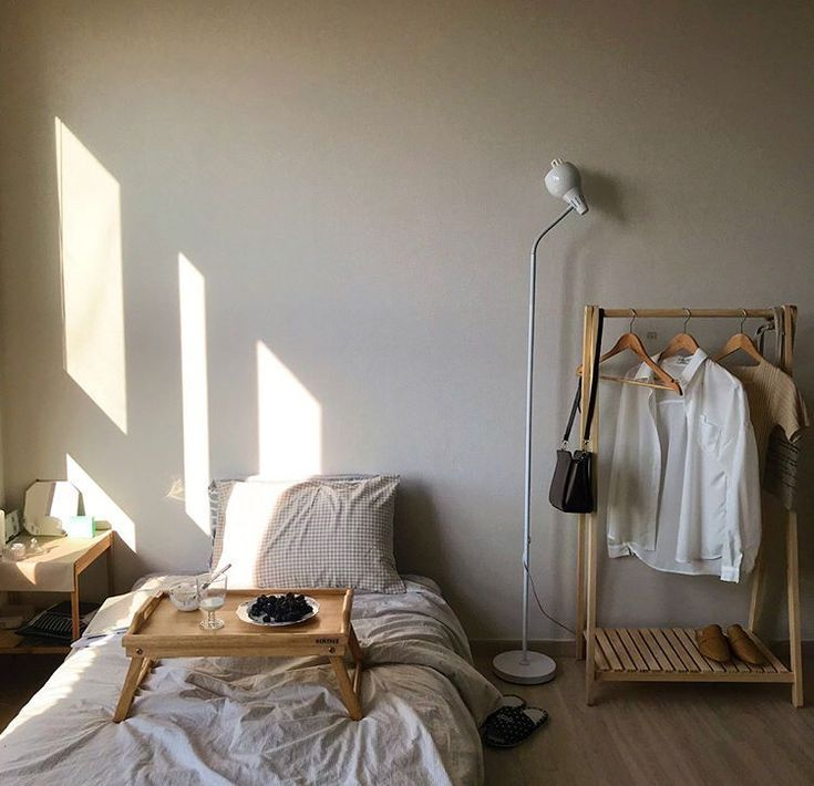 Photo of camera da letto minimalista del sole, #Bedroom #Minimalist #sunlight