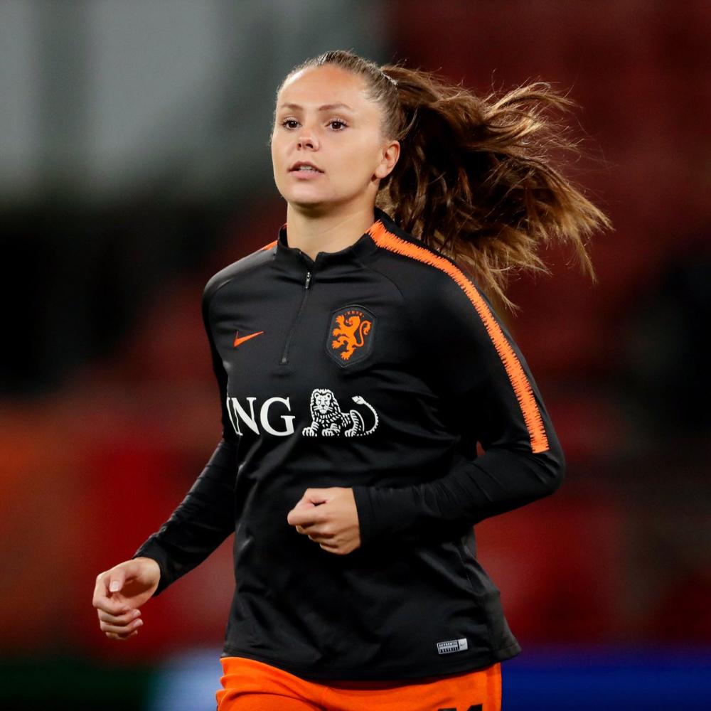 Lieke Martens on Twitter | Classic football shirts, Women's soccer, Football  girls