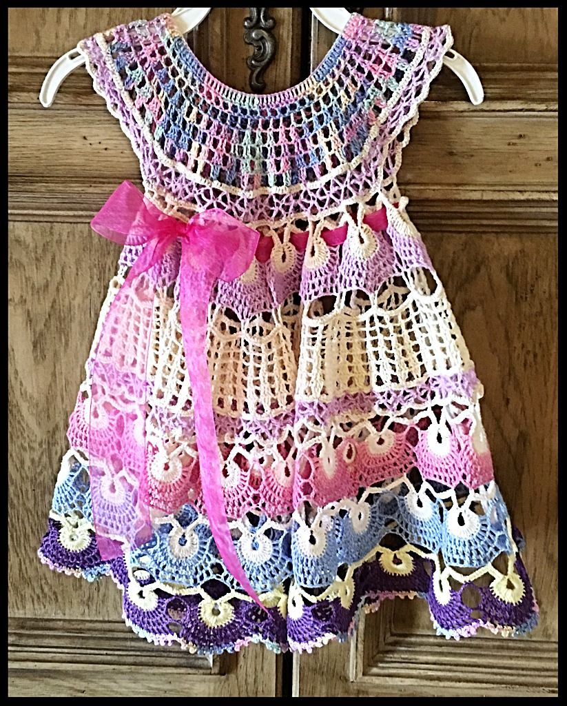 Dress and pattern Pineapple with your own hands - crochet for girls, scheme