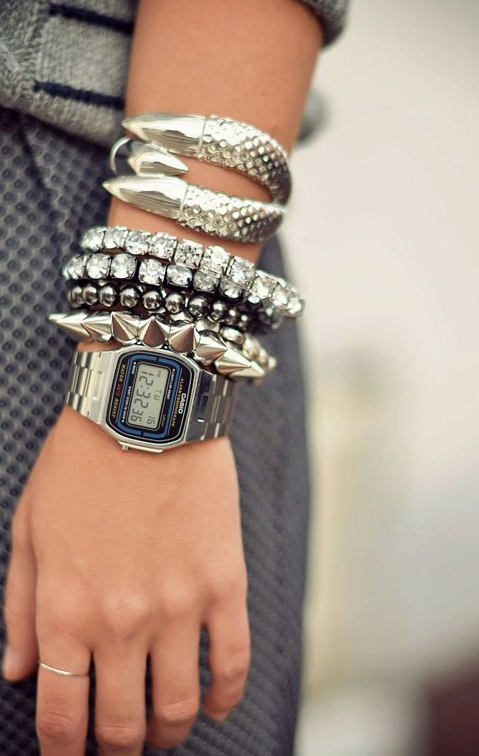 Beautiful Casio silver watch cute women fashion http://www.slideshare.net/leatherjackets/best-watches-reviews-2014-casio-gshock-black-watches-for-men